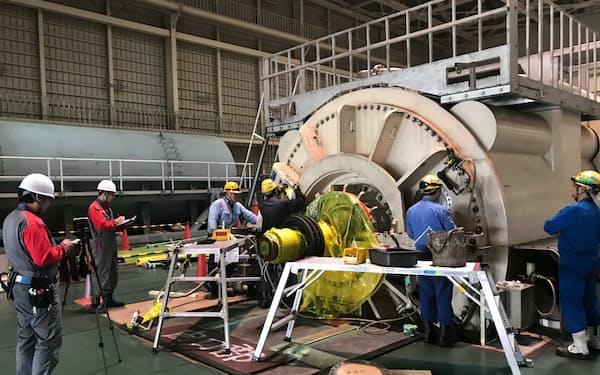 JERAは国内で培った発電所の点検ノウハウを海外に展開する(横浜市の火力発電設備)