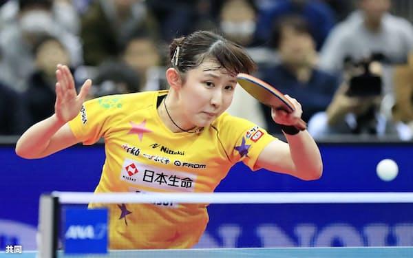 女子シングルスで初優勝した早田ひな(19日、丸善インテックアリーナ大阪)=共同