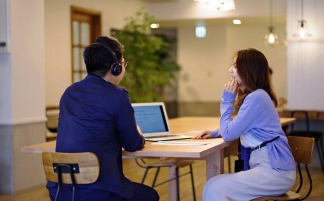 スタディーハッカーの主力コースは週2回の講師とのレッスンと1日1時間の学習を3カ月続け、英語力の大幅な向上を目指す