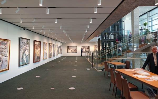 阿波銀行の「本店営業部」に設けられた市民ギャラリースペース