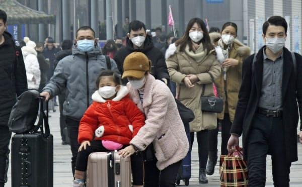 中国全体の患者数は300人を超えた(湖北省・宜昌)=AP