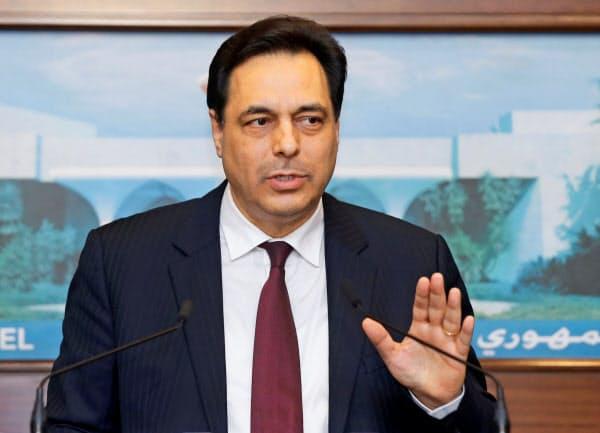 レバノンの新首相に就任したディアブ氏=ロイター