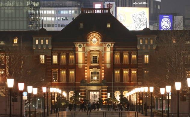 東京駅の丸の内側は、名建築家の辰野金吾らが設計した開業当初の意匠通りに復元された