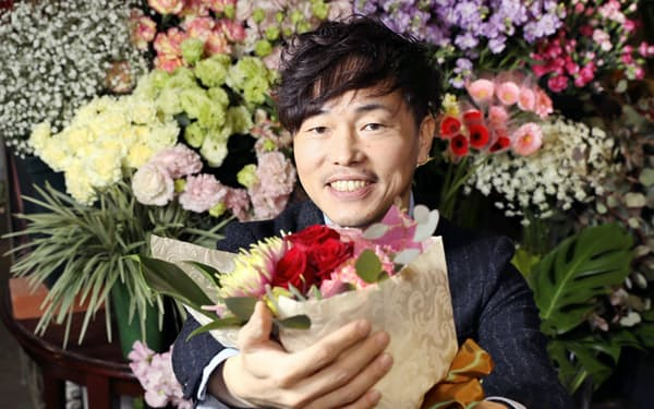近藤祐司さんは花卸業「豊橋ボタニカルガーデン」(愛知県豊橋市)の社長を務める