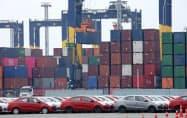 通貨バーツ高も輸出の逆風となった(タイ中部レムチャバン港)