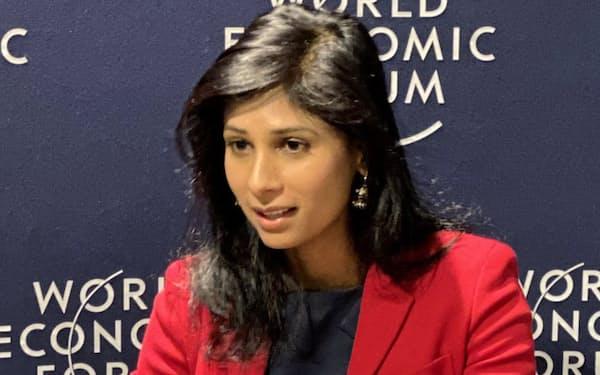 ゴピナートIMF首席エコノミストは、中銀のデジタル通貨構想の課題を指摘した(22日、スイス・ダボス)