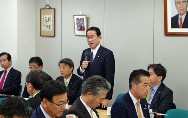自民党岸田派は事務総長に根本匠前厚生労働相を起用した。(23日、都内)