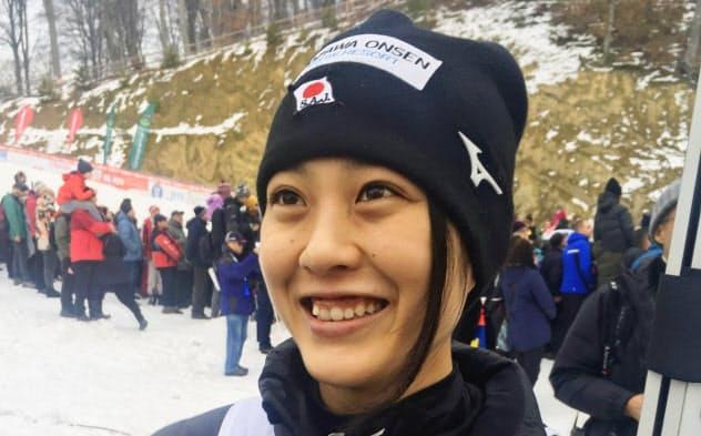 W杯ジャンプ女子個人第9戦で自己最高の6位に入った丸山希(26日、ルシュノブ)=共同