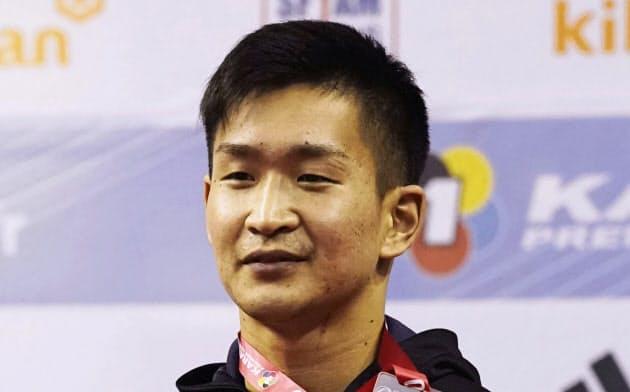 組手男子84キロ級で銀メダルを獲得した荒賀龍太郎(26日、パリ)=共同