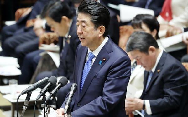 政府の新型肺炎への対応について答弁する安倍首相(27日午前、衆院予算委)