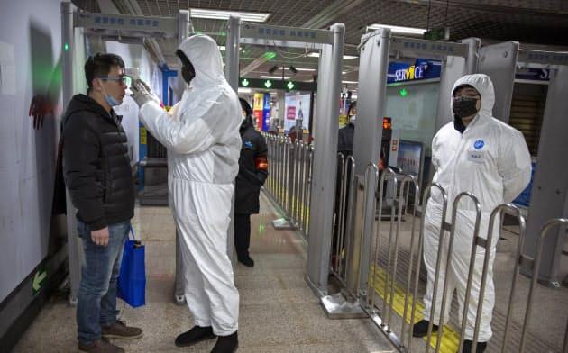 新型肺炎、拡大加速 「患者1000人増加も」武漢市長