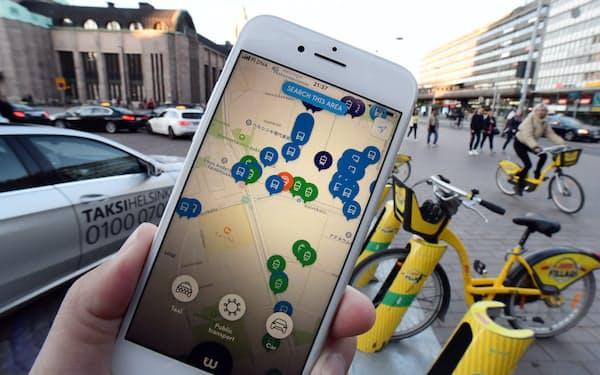 公共交通の乗り継ぎは定額制で乗り放題のMaaSアプリ「ウィム」(ヘルシンキ)=柏原敬樹撮影