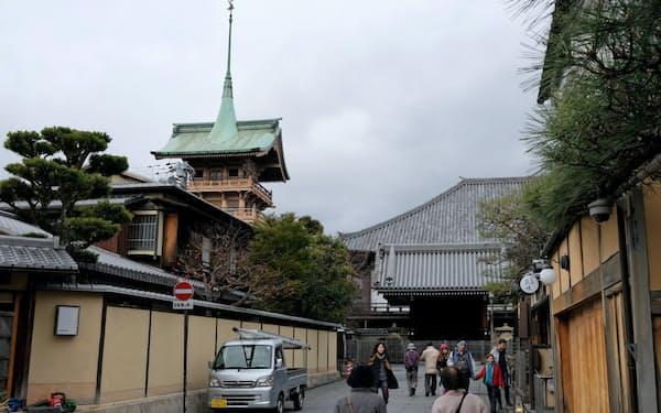 「銅閣」は京都市東山区でひときわ目立つ