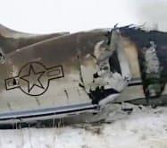 27日にアフガニスタン東部で墜落した米軍機とみられる映像=AP
