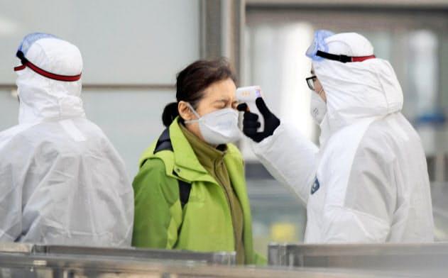 新型肺炎、治療法の開発急ぐ 既存薬で対応も
