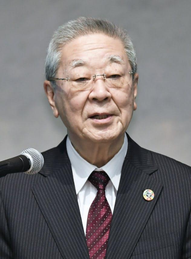 労使フォーラムであいさつする経団連の中西宏明会長(28日、東京・大手町)
