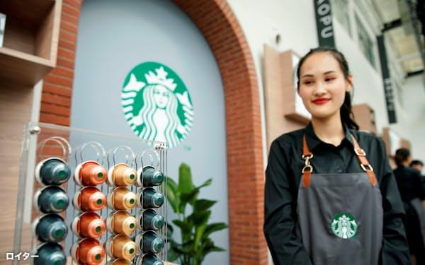 新型肺炎の拡大でスターバックスの中国店舗の半数以上が一時閉店となった(上海市)=ロイター