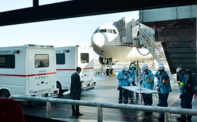 武漢からチャーター機206人帰国 体調不良で5人搬送
