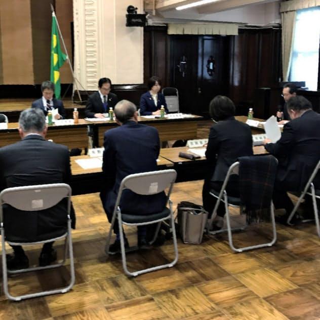 宮崎県の感染症対策審議会では、新型肺炎の感染拡大を懸念する意見も(29日、県庁)