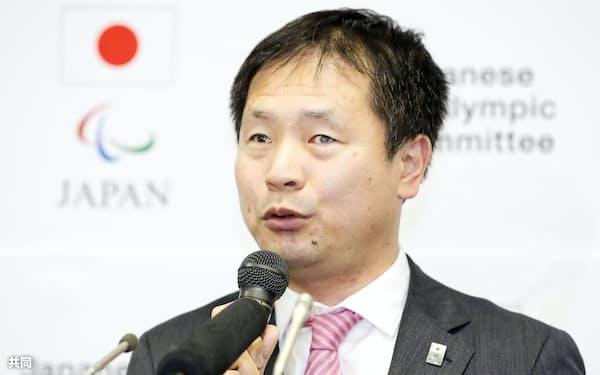 東京パラリンピックの日本選手団団長に決まり、記者会見する河合純一氏(29日午後、東京都中央区)=共同