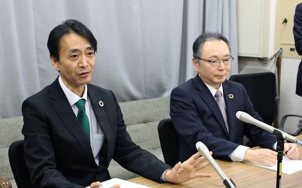 意気込みを語る福岡次期社長(左)と池田社長