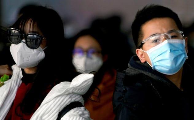 中国国内での感染者増だけでなく、各国でも新型肺炎の影響は拡大している=ロイター