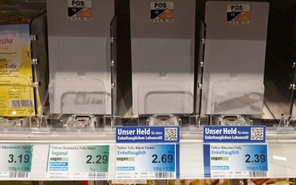 売り切れた豆腐には「孫世代のために」の文字。環境意識をくすぐる(1月上旬、フランクフルト市内のスーパー)