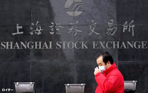 4日の中国株は反発したが、不安は世界の市場に広がる=ロイター