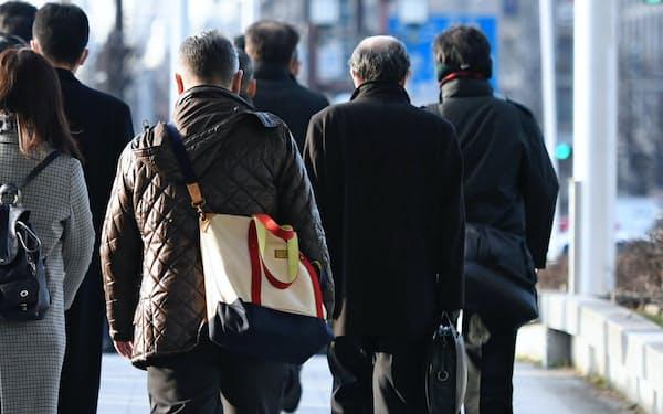 シニアの就労促進には日本型雇用の見直しが欠かせない