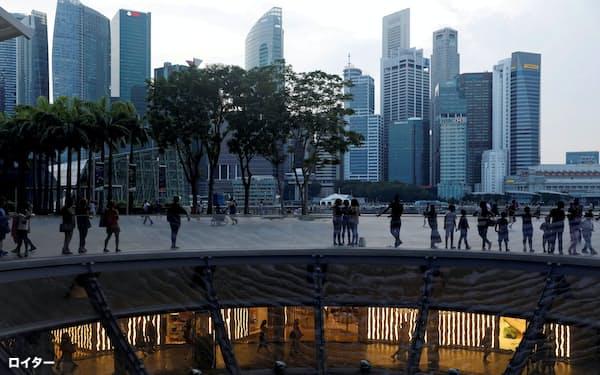 シンガポールの偽ニュース対策法は、他のどの国よりも厳しい罰則を規定している=ロイター
