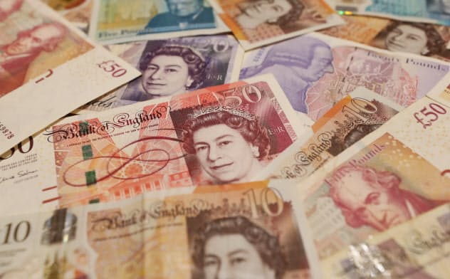 英ポストオフィスの郵便局長は、現金とシステム上の残高が一致しないことが頻発し「横領した」と疑われた