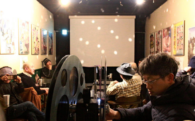 山谷の新名所となった「泪橋ホール」(1月、東京・台東)
