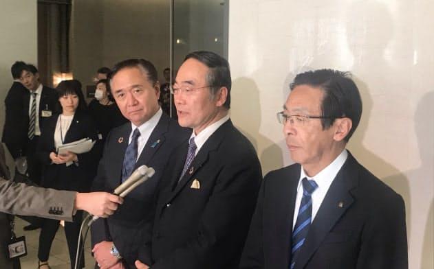 感染者についての統一的な情報公開の基準づくりを求めた(5日、東京都内)