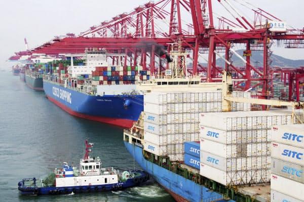 関税引き上げの影響で中国からの輸入にブレーキがかかった=AP