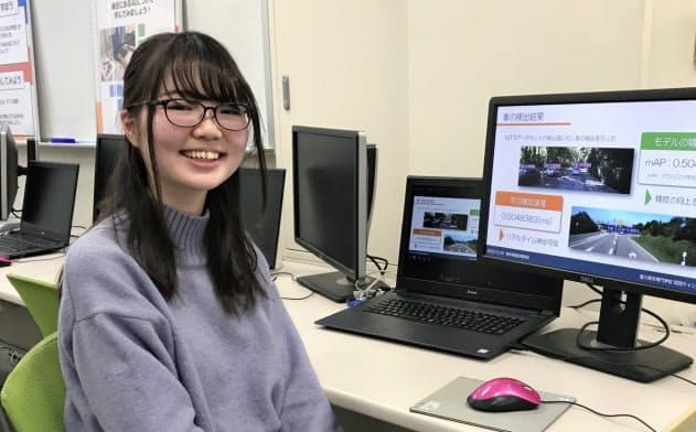 4年生の田貝さんは、AIを身近な暮らしに活用しようと起業した