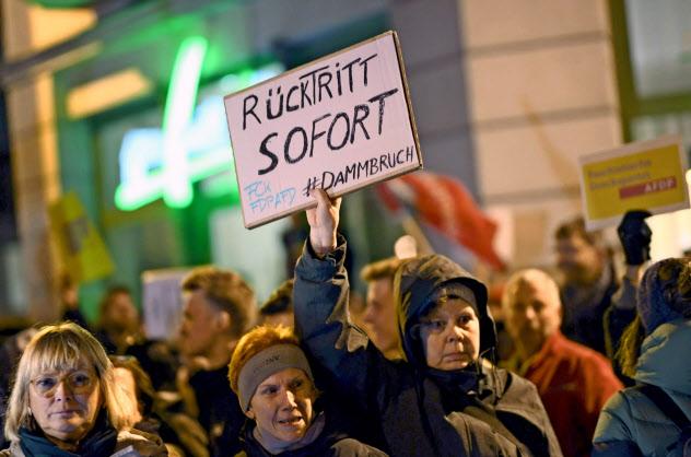ドイツではケメリヒ氏の即時辞任を求める声が広がっていた=ロイター