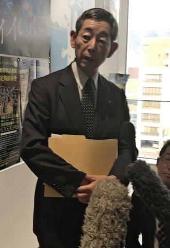 呉製鉄所の閉鎖についてコメントする呉市の新原芳明市長