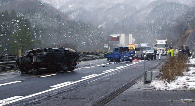 北陸道多重事故で9人けが 1人が重体、福井・南越前: 日本経済新聞