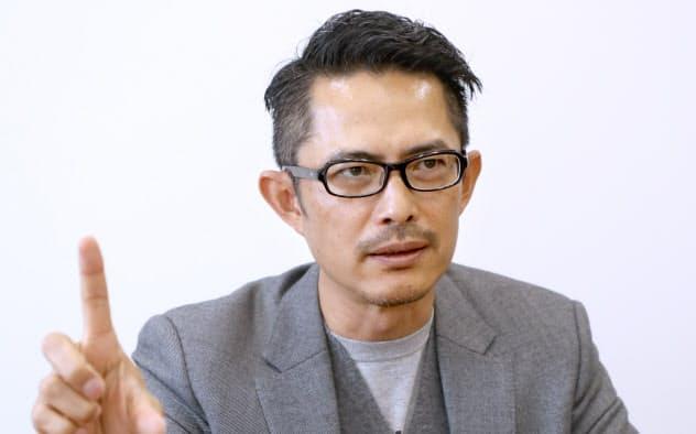 とよだ・けいすけ 1972年千葉県出身。東京大学工学部建築学科卒業。安藤忠雄建築研究所などを経て、2007年から東京と台北をベースに建築デザイン事務所noizを共同主宰。25年万博招致の会場計画アドバイザーなどとしてで万博に関わる。