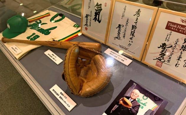 野球殿堂博物館では追悼展示が開かれた(11日、東京都文京区)