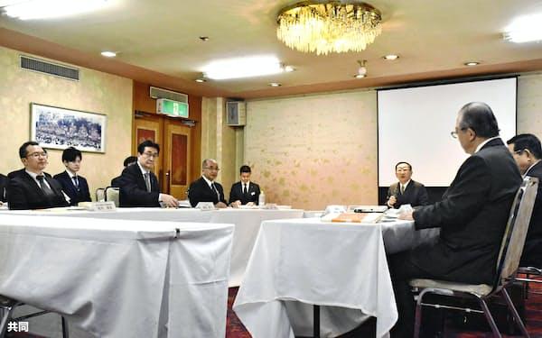日田彦山線の復旧方法を話し合うトップ会談が10カ月ぶりに開かれた(12日午前、大分県日田市のホテル)