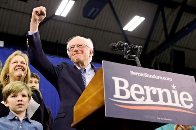 民主党の大統領候補争い「第2戦」となったニューハンプシャー州を制したサンダース上院議員(11日)=ロイター