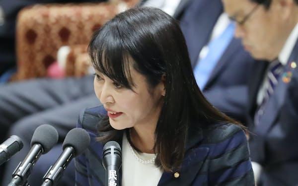 東京高検検事長の定年延長問題で答弁する森法相(12日、衆院予算委)