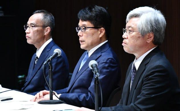 かんぽ生命保険の不適切販売問題を受けて就任した日本郵政の増田寛也社長らは、成長戦略よりも内部統制を優先すると説明した(1月9日、東京・大手町)