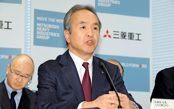 6日、「スペースジェット」の納入延期を発表した三菱重工の泉沢清次社長