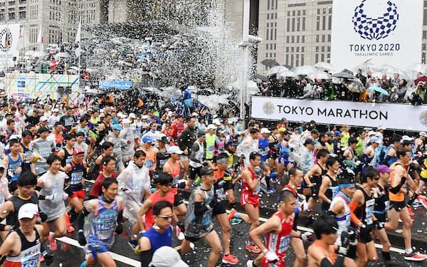 3月1日の東京マラソンは一般ランナー抜きで開催される(2019年3月、東京・西新宿)