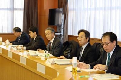 有識者会議では県と市町村の連携不足を指摘する声が相次いだ(17日、千葉県庁)
