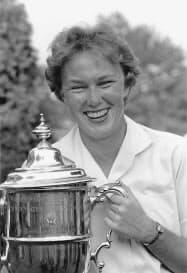 1961年に全米女子オープンで優勝したミッキー・ライトさん=AP