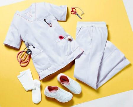 ベルーナは専門通販で看護服や靴、道具などを販売している