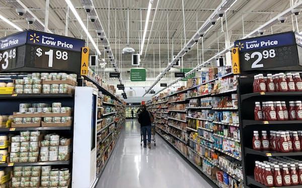 新店舗の天井にはカメラとセンサーがずらりと並ぶ(ニューヨーク州)